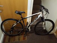 Carrera Crossfire 2 hybrid Bike with 28 wheel size and 19 frame size