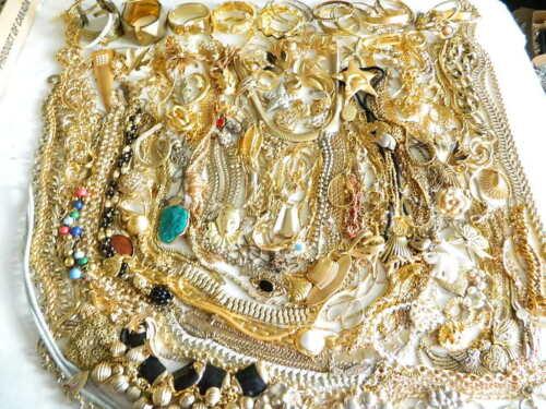 200+ Vintage Modern Goldish Gold Tone Jewelry Lot Koret Coro JJ BSK Ultra Craft