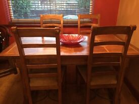 Arighi Bianchi Flagstone dining table with four chairs
