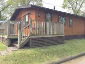 CHESHIRE COUNTRY HOLIDAY PARK - REDUCED LODGE WITH LARGE PRIVATE GARDEN