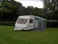 SWIFT SANDYMERE SPECIAL EDITION 2 BERTH TOURING CARAVAN WITH END BATHROOM