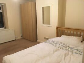 RARELY AVAILABLE DOUBLE BED TO MOVE IN NOW!!!!!!
