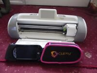 Cricut Expression 2 Wireless cutting machine + Gypsy Machine + 12 cartridges.