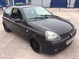 Breaking Renault Clio mk2 for parts