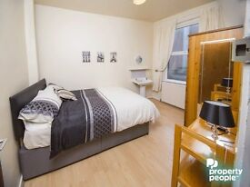 ROOMS TO RENT THROUGHOUT SOUTH BELFAST! 10% OFF FISRT MONTHS RENT! CHRISTMAS SPECIAL!