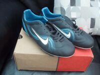 Boys Nike Football Boots Size 5