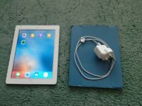 iPad 3 16GB 3G unlocked and WiFi with charger and case