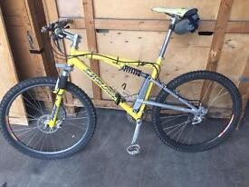 Santa Cruz Heckler 1 Mountain Bike