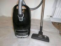 MIELE POWER PLUS S8310 VACUUM CLEANER