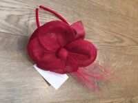 Lovely red fascinator BNWT only £8