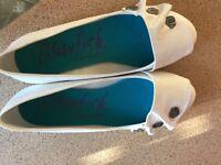 Blowfish White pumps brand new never been worn