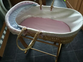 moses basket with rocker, matress and beddings clair de lune