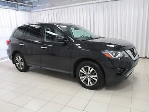 2017 Nissan Pathfinder DONT MISS THIS INCREDIBLE DEAL!! LIKE NEW