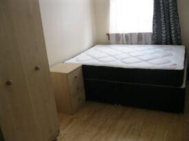 2 bedroom flat in Chiswick, near Stamford brook tube