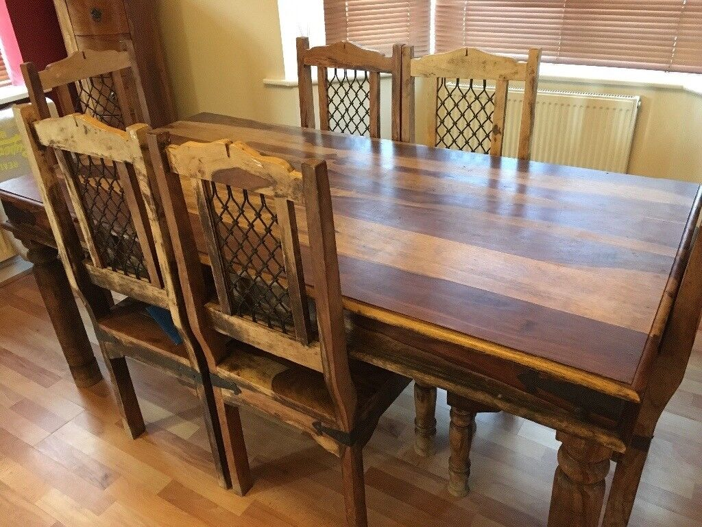 6b75a34b46164 Solid wood dining table   6 chairs