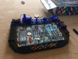 Hobby craft 100+ circuit science kit