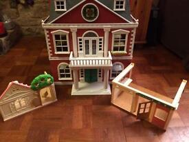 SYLVANIAN FAMILIES HOTEL + PLAYSETS