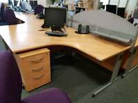 Office corner desks with right or left curves