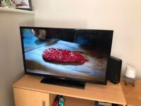 Panasonic LED VIERA 32 inch TV TX-32C300B - with built in Freeview- Great Condition