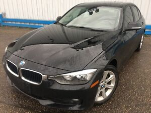 2012 BMW 3 Series 320i *LEATHER-SUNROOF*