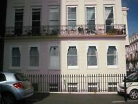 THREE BEDROOMED BRIGHTON SEAFRONT NO FEES FLAT TO LET