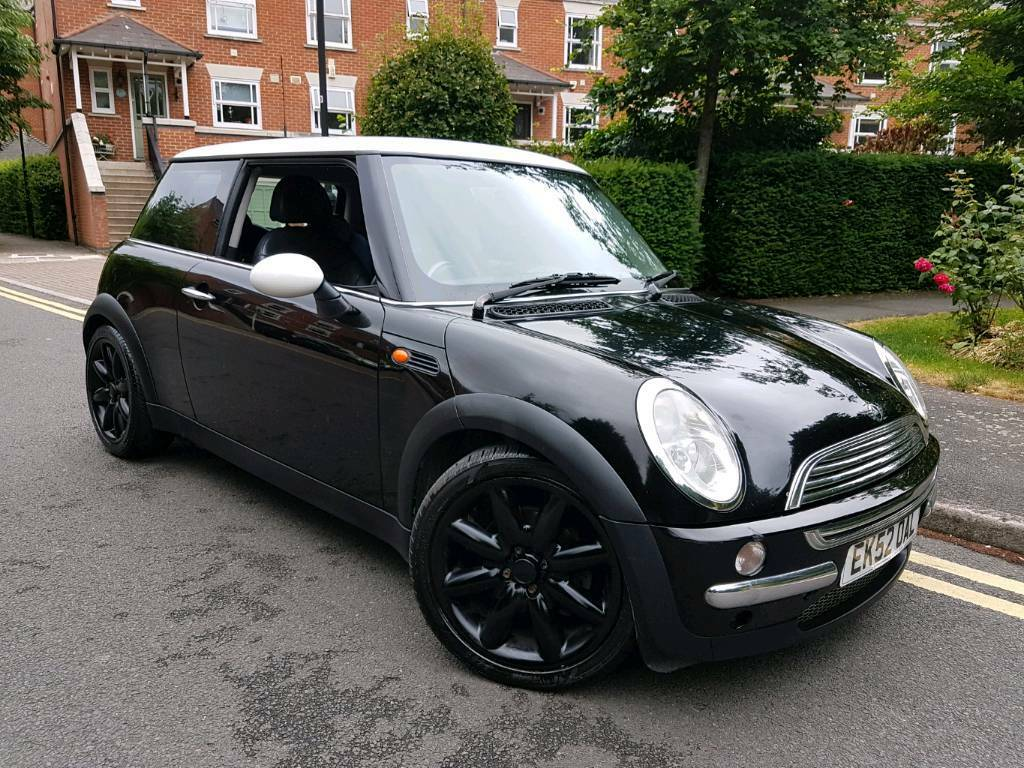 2002 52 reg mini cooper black white leathers great car 1249 in tooting london gumtree. Black Bedroom Furniture Sets. Home Design Ideas