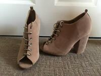 SIZE 5- Brown Heeled Boots