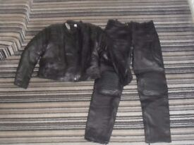 motorcycle 2 peice leather Jacket 12 and trousers 32