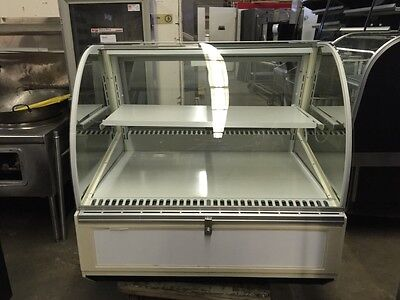 Federal Sn-4cd - Series 90 48 Refrigerated Curved Glass Deli Case - Refurbished