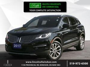 2017 Lincoln MKC Select ***Panoramic sunroof, AWD***