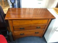 Antique chest of draws(can deliver)