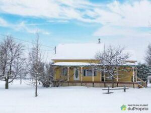 374 900$ - Maison 2 étages à vendre à St-Mathieu-De-Beloeil