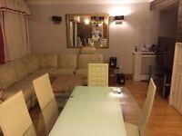 En-suite room in a superb Notting Hill 3 BR flat