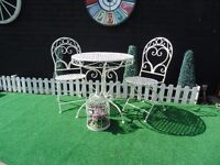 ABSOLUTELY STUNNING CAST IRON GARDEN SET VERY SOLID SET AND IN EXCELLENT CONDITION
