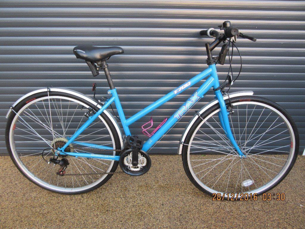 Ladies Trax T700 Hybrid Bike In Excellent Almost New Condition