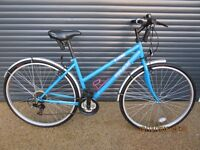 """LADIES TRAX T700 HYBRID BIKE IN EXCELLENT ALMOST NEW CONDITION.. (17"""" / 43cm. LIGHTWEIGHT FRAME).."""
