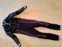 Semi dry wetsuit