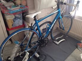 TREK Road Bike (54cm Frame). With Tacx Turbo Trainer! excellent condition!!