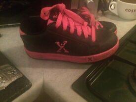 2 pairs of girls heelys size 2