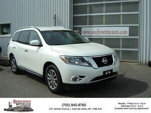 2016 Nissan Pathfinder SV|4X4|Heated Seats & Steering Wheel