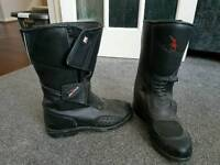 Ladies size 6 motorcycle boots