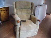 recliner/riser armchair