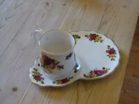Lovely Christmas Gift, Vintage Cups & Saucers