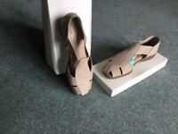 Footglove sandals - size 3.5