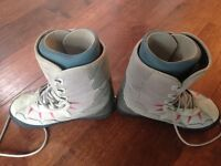 Snowboard boots mens size 10 £20