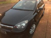 AUTOMATIC Vauxhall Astra 1.6 16V BLACK 2006 NEW 12 MONTHS MOT £1100