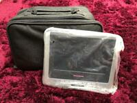 Portable dual screen dvd player