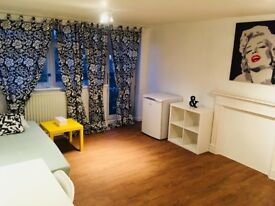 BRAND NEW HUGE DOUBLE/TWIN ROOM WITH JULIET BALCONY, 5 MNTS WALK BETHNAL GREEN TUBE, VICTORIA PARK,E