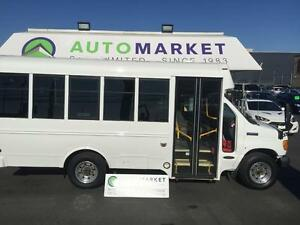 2006 Ford Econoline E-350 BUS WHEELCHAIR LIFT!!
