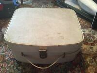 2 vintage suitcases